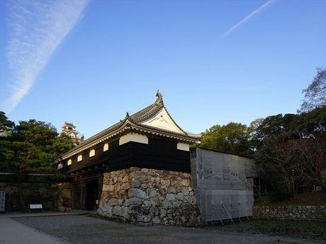 高知城お濠2_R.jpg